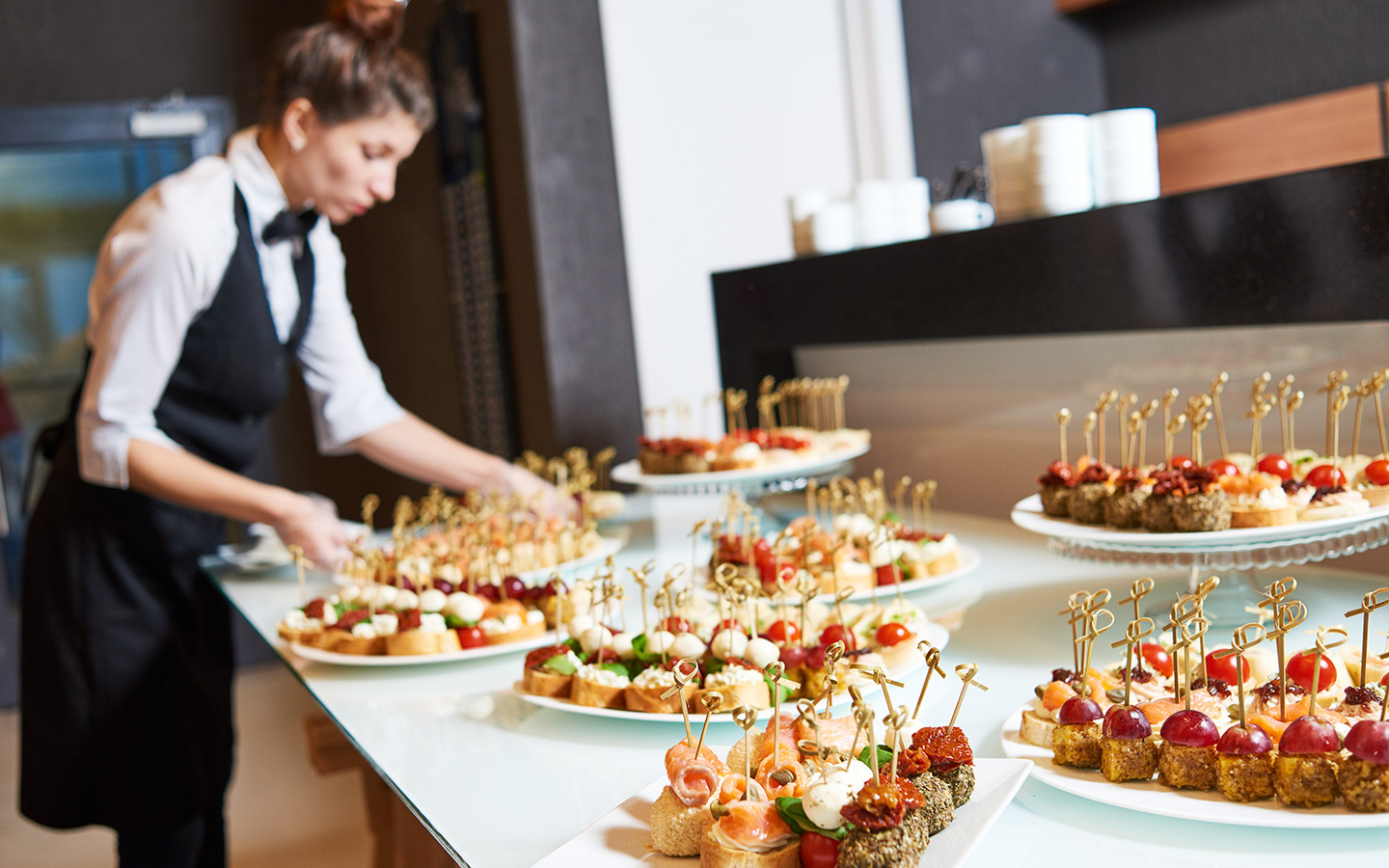 The advantages of hiring catering services